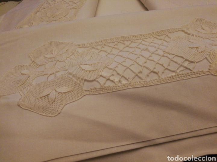 Antigüedades: Sabana de cama de 90. Completa. Encaje de bolillos - Foto 2 - 147634661