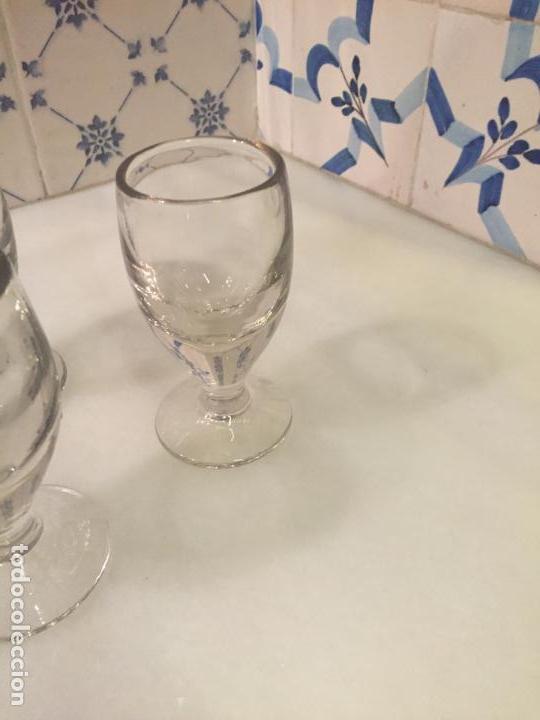 Antigüedades: Antiguos 3 vaso / vasos de cristal soplado a mano de café o bar de los años 30-40 - Foto 2 - 147636322