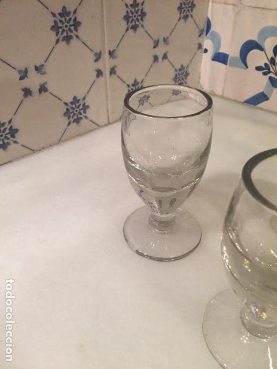 Antigüedades: Antiguos 3 vaso / vasos de cristal soplado a mano de café o bar de los años 30-40 - Foto 3 - 147636322