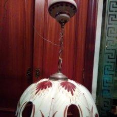 Antigüedades: PRECIOSA LAMPARA DE CERÁMICA DECORADA A MANO. . Lote 147642542
