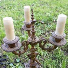 Antigüedades: CANDELABRO CON ANGEL EN BRONCE ELECTRIFICADO CON 3 BRAZOS- MIDE 31CM. . Lote 147645298