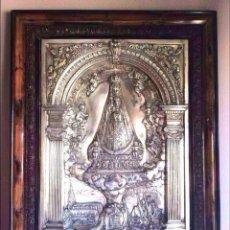 Antigüedades: VIRGEN DE BEGOÑA ,PLACA EN RELIEVE EN METAL PLATEADO 77X60 CM. Lote 147650602