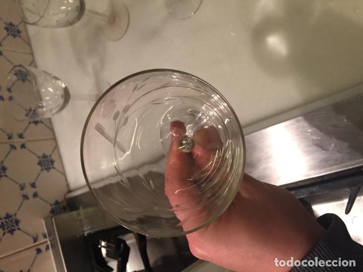 Antigüedades: Antiguas 5 copa / copas de cristal soplado y tallado a mano con motivos florales años 20-30 - Foto 8 - 147659130