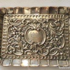 Antigüedades: PRECIOSA BANDEJA LABRADA EN PLATA DE LEY PEDRO DURAN . Lote 147715378