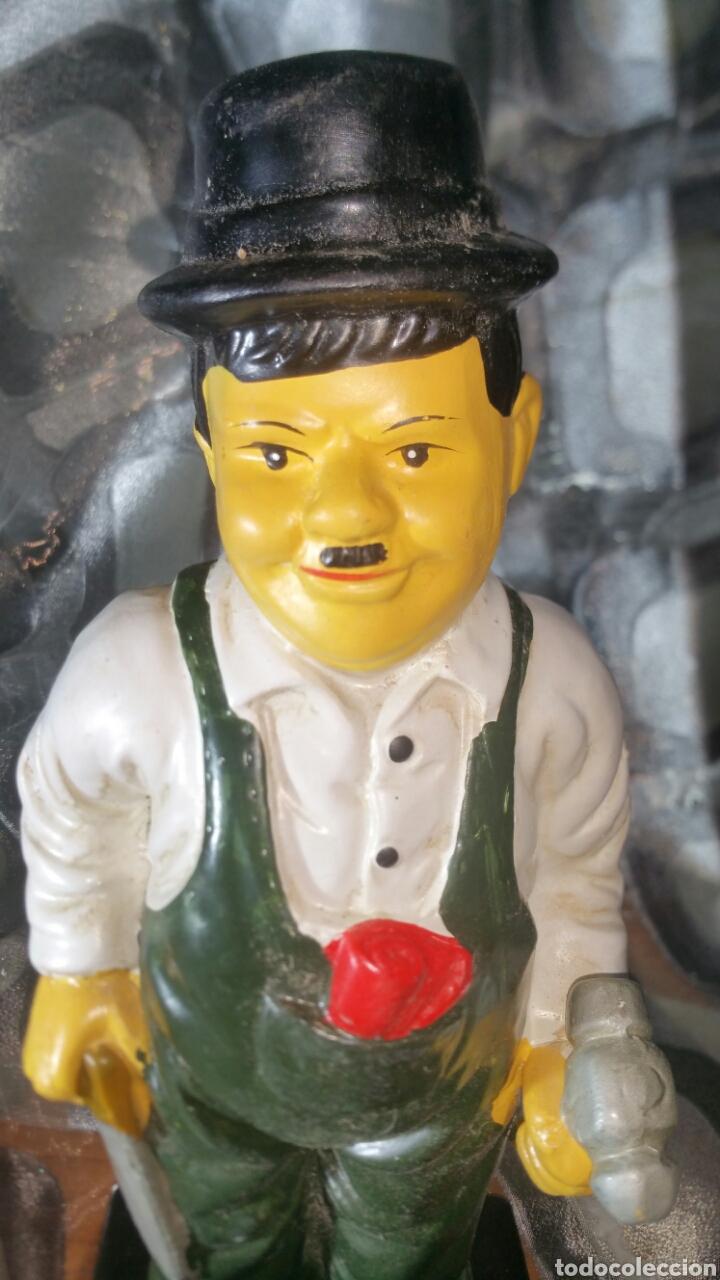 Antiquitäten: Figura policromada de Oliver Hardy - Foto 2 - 147717281