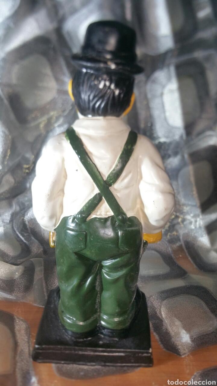 Antiquitäten: Figura policromada de Oliver Hardy - Foto 5 - 147717281