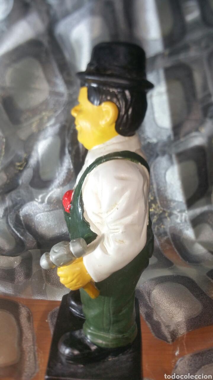 Antiquitäten: Figura policromada de Oliver Hardy - Foto 6 - 147717281