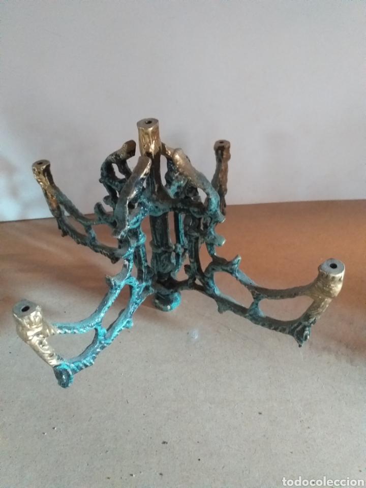 Antigüedades: Lote de piezas para hacer candelabro grande. Bronce pintado de verde, falta in cacillo. - Foto 4 - 147728773