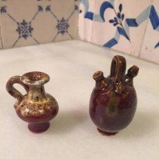 Antigüedades: ANTIGUA JARRA Y BOTIJO CUEVAS DE NERJA EN MINIATURA AÑOS 60 . Lote 147737538