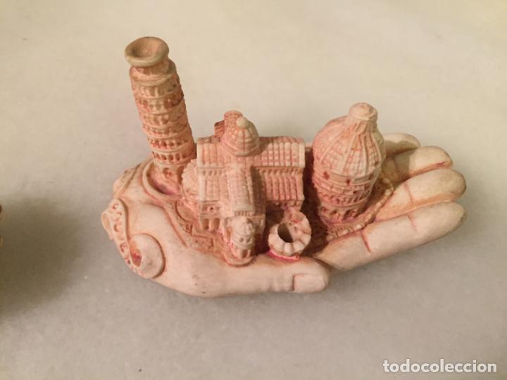Antigüedades: Antiguas 2 mano / manos recuerdo de Pisa con monumentos emblematicos años 70-80 - Foto 2 - 147739050