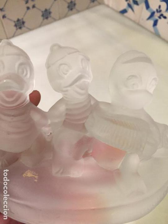 Antigüedades: Antigua figura de cristal prensado de Walt Disney Jaimito Juanito y Jorgito años 60-70 - Foto 4 - 147748770