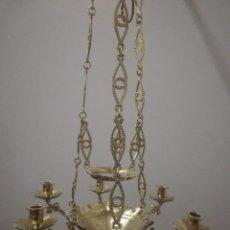 Antigüedades: LAMPARA VOTIVA EN BRONCE CON BAÑOEN METAL DORADO. Lote 147758430