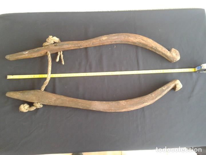 Antigüedades: PAREJA COSTILLAS COLLERA CABALLO TERABITAS EN MADERA - Foto 7 - 147761162