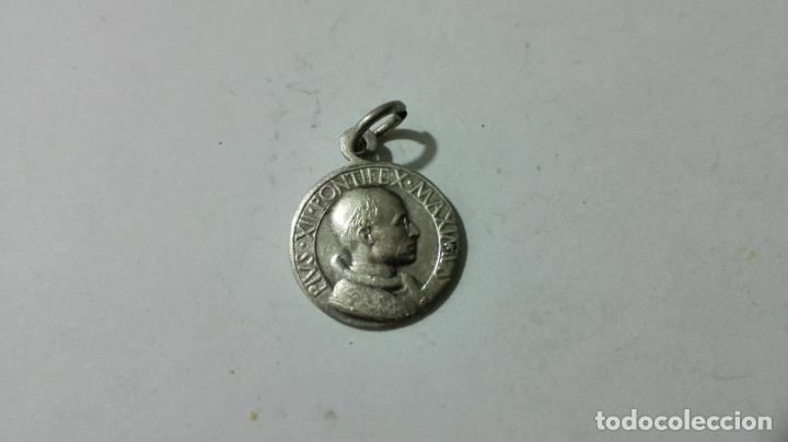 MEDALLA DE PLATA, PIVS XII PONTIFEX MAXIMVS, MEDIDAS 1,6 CM (Antigüedades - Religiosas - Medallas Antiguas)