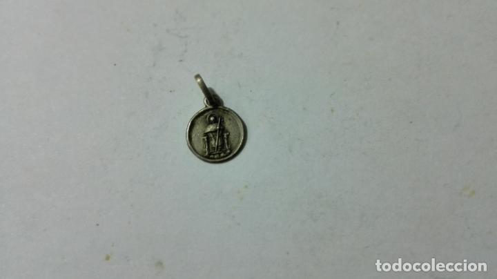 MEDALLA DE PLATA, RELGIOSA, MEDIDAS 6 MM (Antigüedades - Religiosas - Medallas Antiguas)