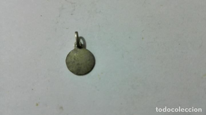 Antigüedades: MEDALLA DE PLATA, RELGIOSA, MEDIDAS 6 MM - Foto 2 - 147773934