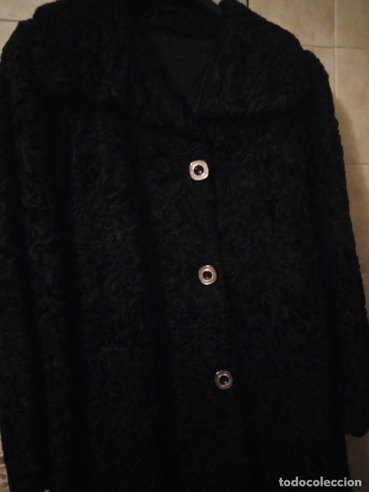 Antigüedades: abrigo de astracán autentico de los años 40-50. - Foto 2 - 147774274