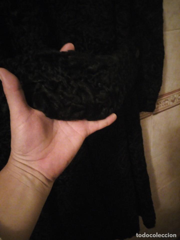 Antigüedades: abrigo de astracán autentico de los años 40-50. - Foto 9 - 147774274