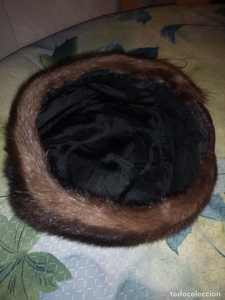 Antigüedades: Magnifico gorro de vison con lazo de raso y un alfiler con bola de vison. - Foto 5 - 147776582