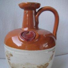 Antigüedades: JARRA DE CERÁMICA GRES VIDRIADA WHISKY OF YE MONKS DE ESCOCIA. Lote 147777074