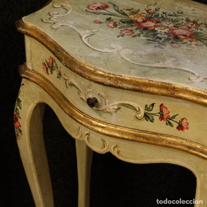 Antigüedades: Pair of lacquered and painted Venetian bedside tables - Foto 3 - 147778466