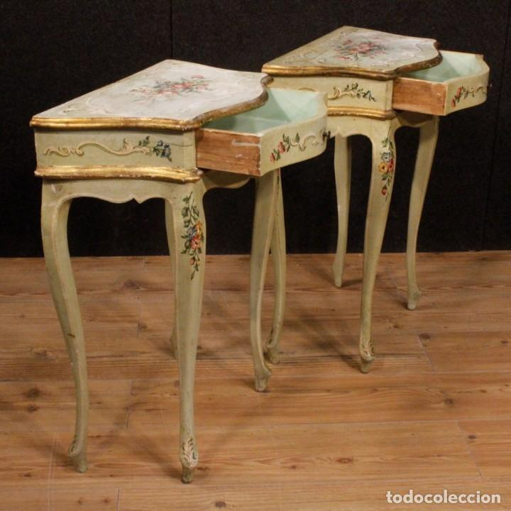 Antigüedades: Pair of lacquered and painted Venetian bedside tables - Foto 5 - 147778466