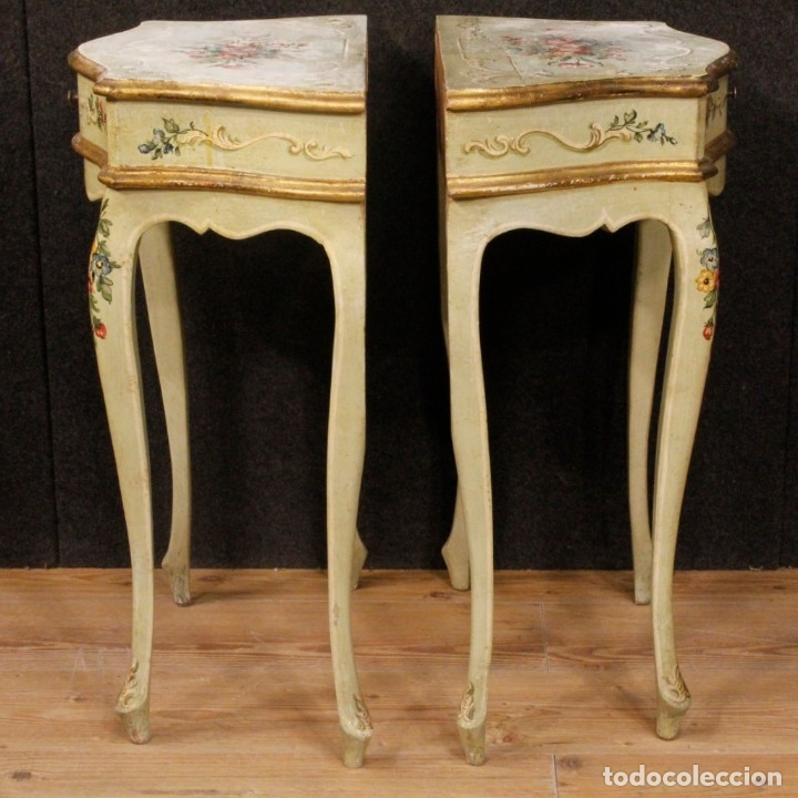 Antigüedades: Pair of lacquered and painted Venetian bedside tables - Foto 8 - 147778466