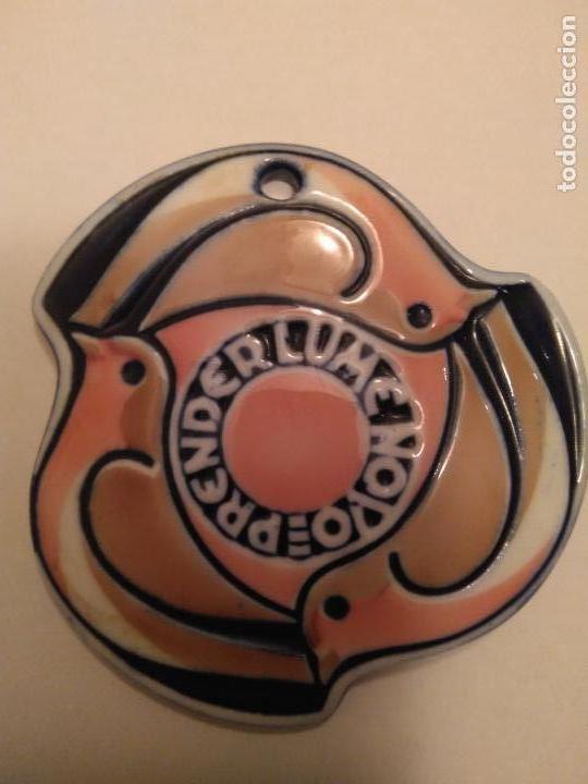 MEDALLA DE SARGADELOS VII ROMAXE DE CREENTES GALEGOS ## PRENDER LUME NOVO ## (Antiquitäten - Porzellan und Keramik - Sargadelos)