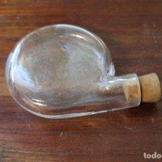 Antigüedades: ANTIGUA BOTELLA TARRO FARMACIA CRISTAL . Lote 147798058