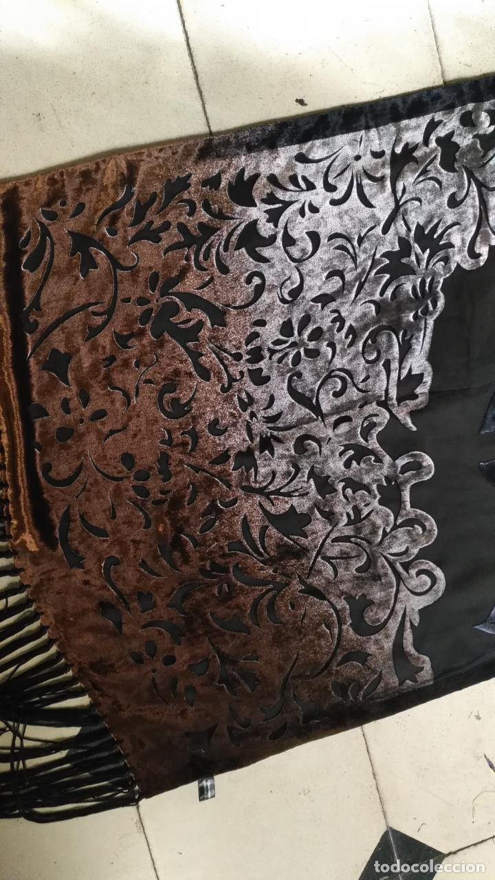 Antigüedades: gran pañuelo chals manton rectangular flecos hechos a mano 75% seda natural flores filo terciopelo - Foto 13 - 147838214