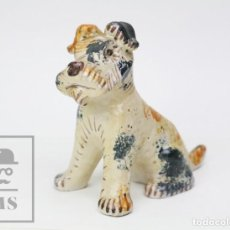 Antigüedades: FIGURA DE GRES / CERÁMICA VIDRIADA - PERRO FOX TERRIER - FIRMADA ST - MEDIDAS 10,5 X 19 X 18 CM. Lote 147852054
