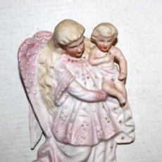Antigüedades: BENDITERA DE BISCUIT-ANGEL Y NIÑO-SG XIX.. Lote 147873490