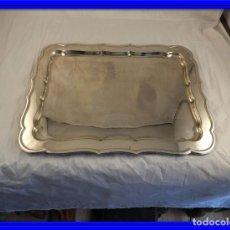 Antigüedades: BANDEJA DE METAL PLATEADO. Lote 147874962