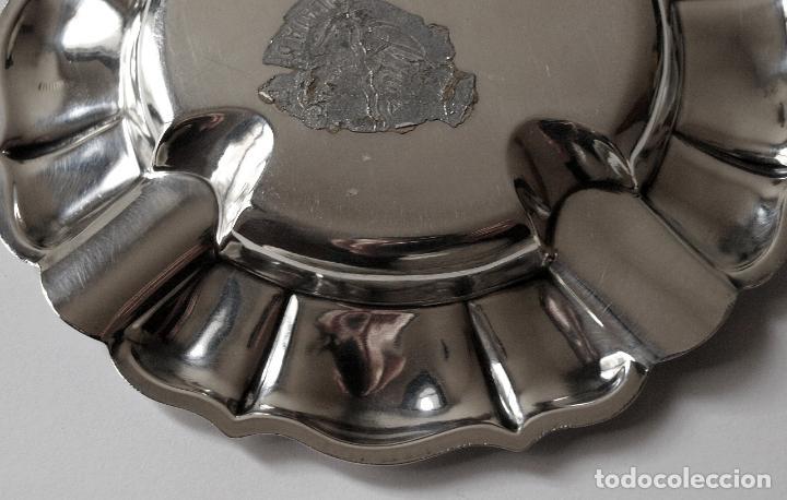 Antigüedades: CENICERO DE PLATA DE LEY CONTRASTADA. 55 GRAMOS. 13 CM DIAMETRO. VER FOTOS Y DESCRIPCION - Foto 5 - 147883750