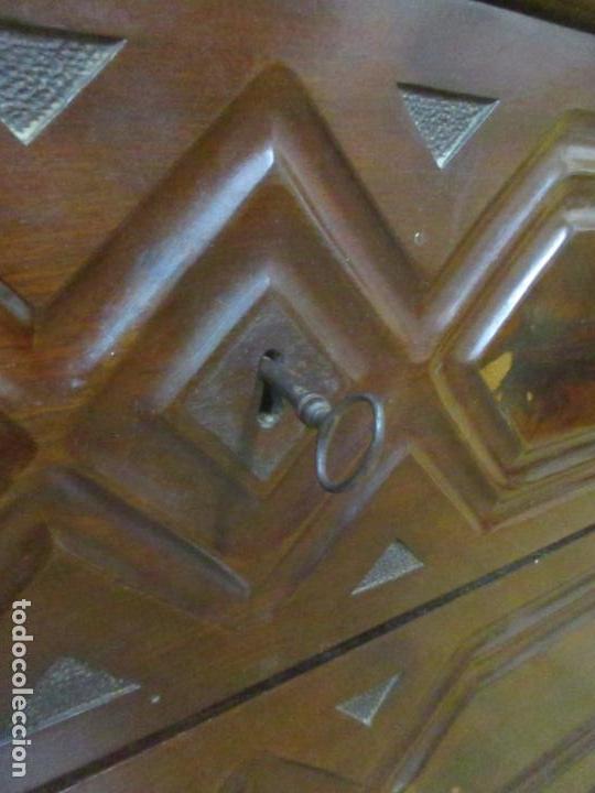 Antigüedades: Antigua Cómoda Isabelina (Ditada) - Madera de Caoba y Raíz - Mármol - S. XIX - Foto 7 - 147898878