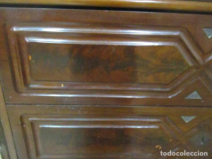 Antigüedades: Antigua Cómoda Isabelina (Ditada) - Madera de Caoba y Raíz - Mármol - S. XIX - Foto 9 - 147898878