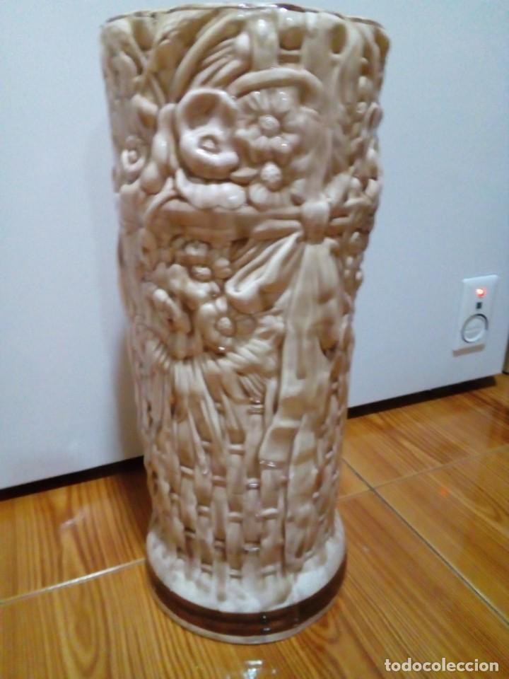 Antigüedades: BONITO PARAGUERO DE CERAMICA - Foto 3 - 147899074