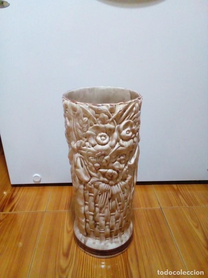 Antigüedades: BONITO PARAGUERO DE CERAMICA - Foto 4 - 147899074