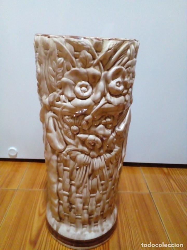 Antigüedades: BONITO PARAGUERO DE CERAMICA - Foto 6 - 147899074
