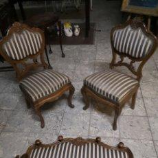 Antigüedades: PRECIOSO JUEGO DE SILLAS Y PERCHERO ISABELINO.. Lote 147932145