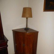 Antigüedades: ANTIGUO MUEBLE BAR ESQUINERO CON CRISTAL AÑOS 50 60 A RECOGER EN MADRID. Lote 147939890