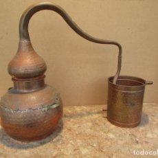 Antigüedades: ALAMBIQUE ANTIGUO PARA DESTILAR ORUJO. EN COBRE. COMPLETO. 5 LITROS. Lote 147965378