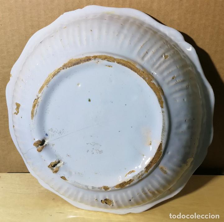 Antigüedades: CUENCO EN CERAMICA DE ALCORA O ESTILO ALCORA (A DETERMINAR) MUY ANTIGUA - Foto 6 - 147983638