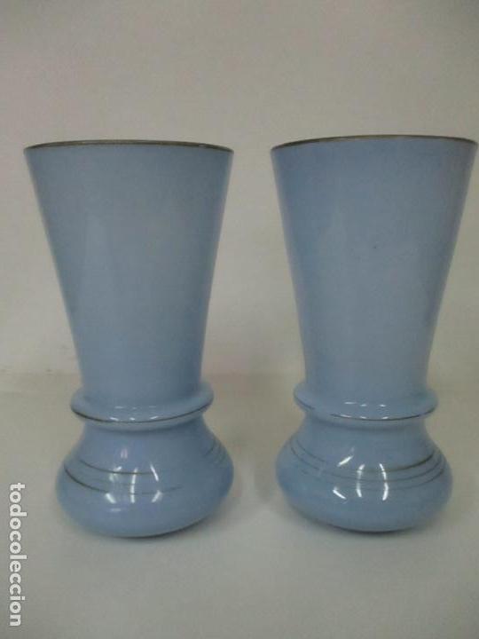 Antigüedades: Pareja de Jarrones - Jarrón - Cristal Opalina Azul - Pintada a Mano - 29,5 cm - S.XIX - Foto 16 - 147987442