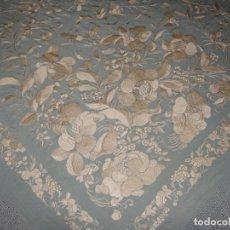 Antigüedades: PRECIOSO MANTÓN DE MANILA. S.XIX. SEDA. BORDADO A MANO.. Lote 148006290