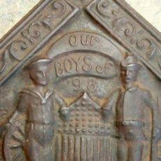 Antigüedades: INTERESANTE PIEZA HISTÓRICA Y CONMEMORATIVA - GUERRA HISPANO AMERICANA - OUR BOYS OF `98 - RARO. Lote 148044614