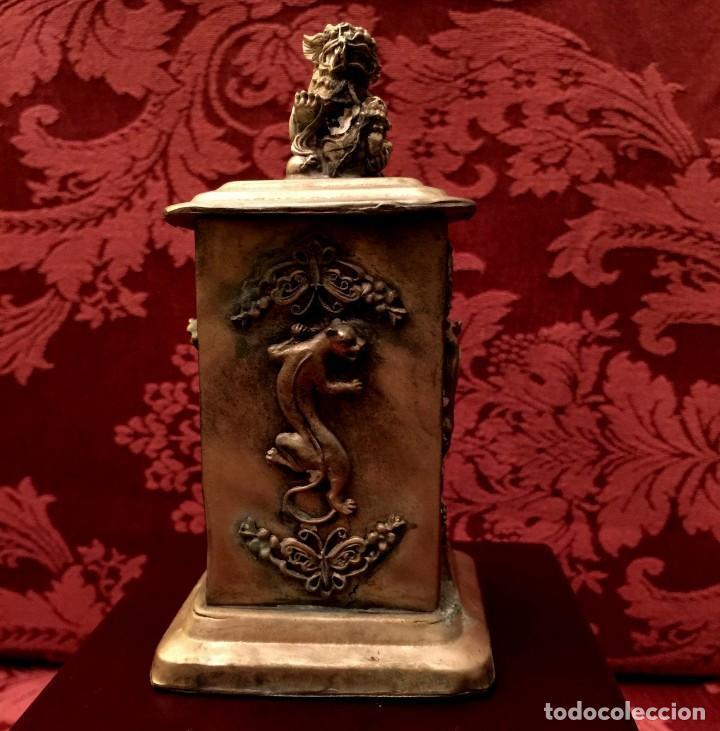 Antigüedades: CAJA CON FILIGRANA DE PLATA, LEÓN FU Y PANTERAS - 141 GRAMOS. - Foto 5 - 148072990