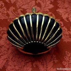 Antigüedades: BOLSO DE FIESTA RÍGIDO CON FORMA DE CONCHA.. Lote 148081046
