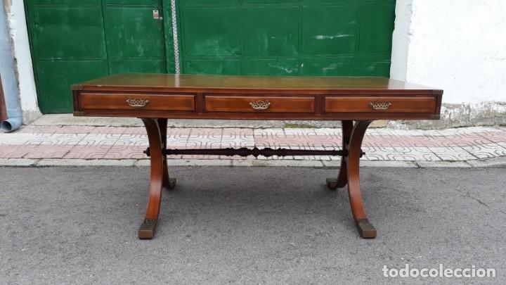 Antigüedades: Mesa de despacho antigua estilo regencia. Escritorio antiguo estilo inglés. Mueble estilo barco - Foto 2 - 148087686