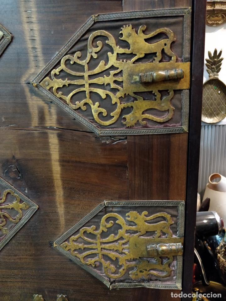 Antigüedades: Bargueño papelera Salmantino con herrería original S.XVI/XVII dos piezas. - Foto 11 - 154493005